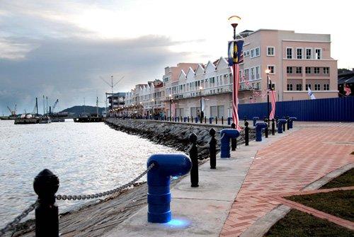image Waterfront2.jpg